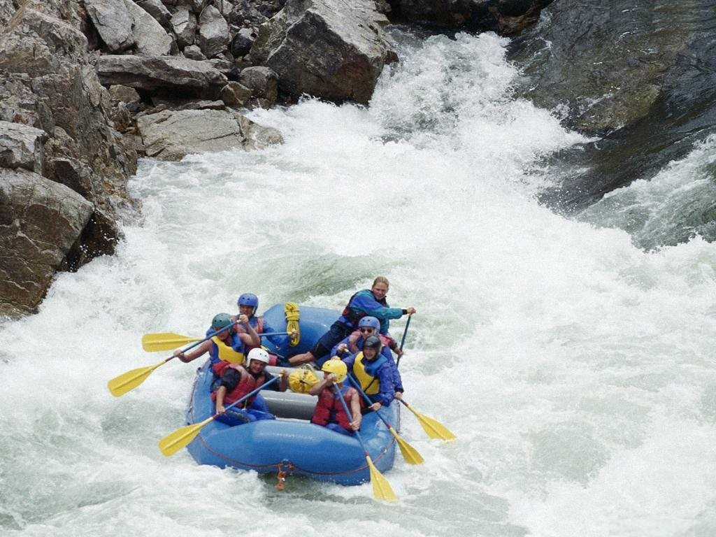 Go For River Rafting In Rishikesh For A Thrilling