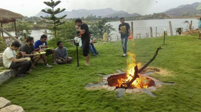 bonfire in kanakpura camp