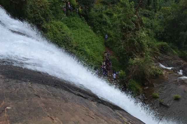 Chelavara Falls trek