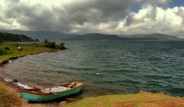 Lakeside Camping At Bhandardara
