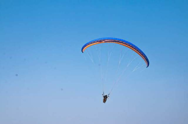 Paragliding at Kasmat