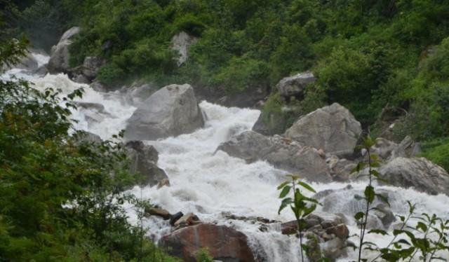 Trek To Valley of Flower uttarakhand india