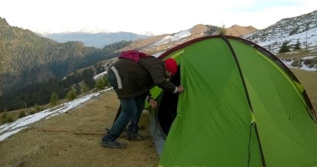 trekking to Prashar Lake 1
