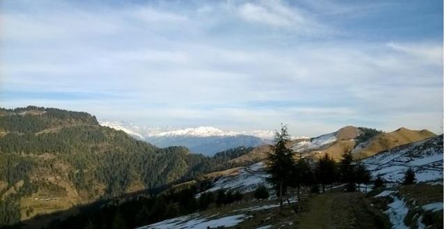 trekking to Prashar Lake 3