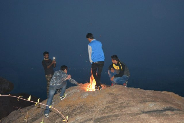bonfire kunti betta night trek