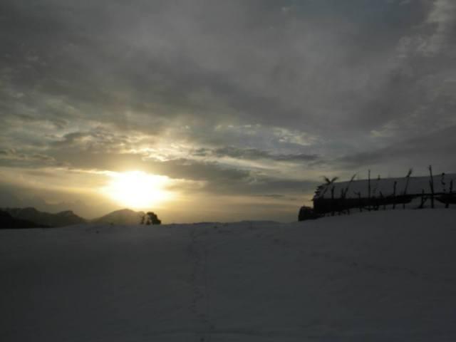 sunrise panwali-kantha-trek