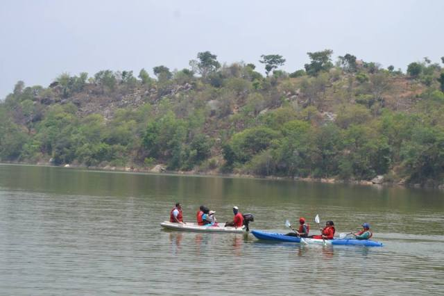 kayaking in manchinbele day outing bangalore
