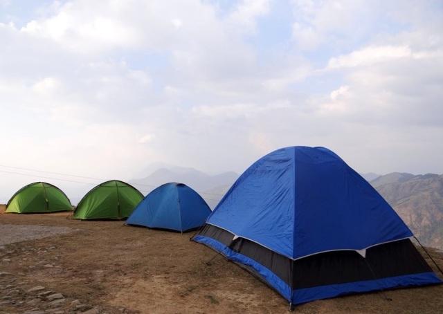 camping at parashar lake