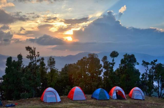 camping in Nag Tibba Trek