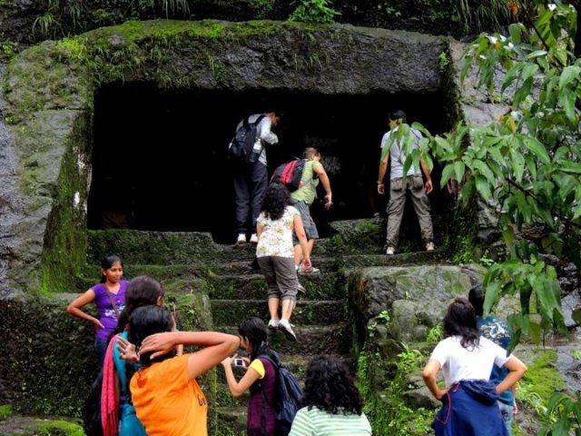 cave-at-korigad-fort