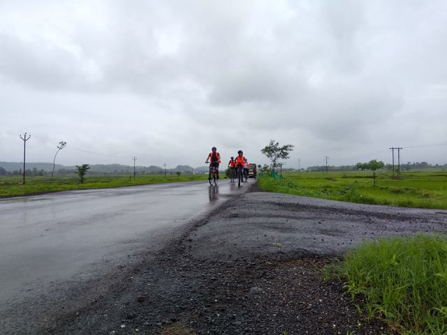 on the journey Asangoan to Dehne cycling