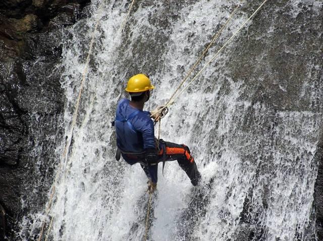 Waterfall rappelling mumbai