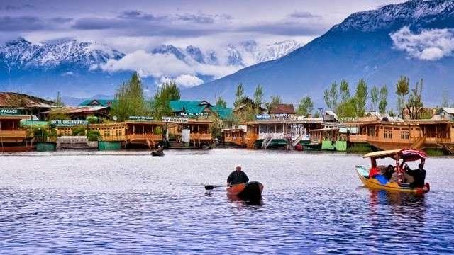 dal-lake-jammu-and-kashmir