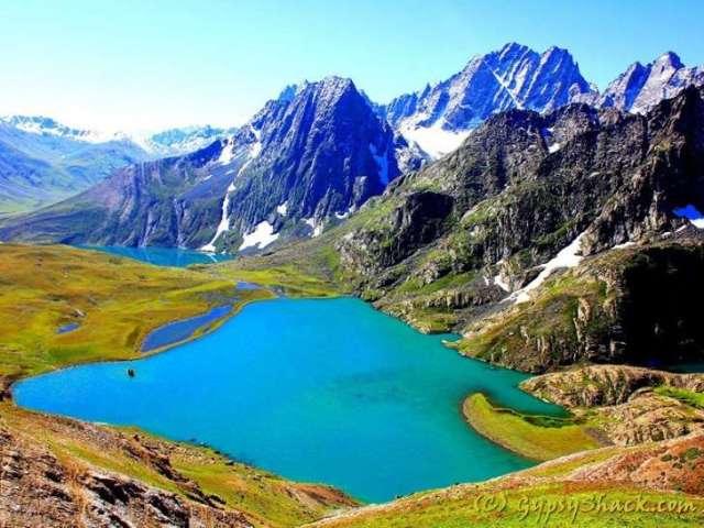 hemkund-lake-uttarakhand