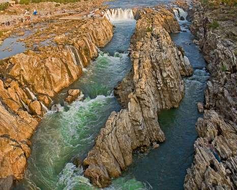 dhuandhar-waterfalls-jabalpur-madhya-pradesh