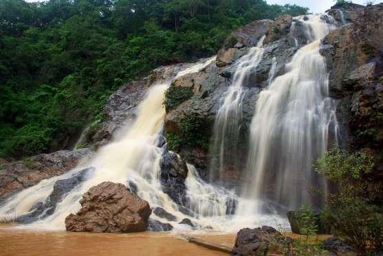 hirni-waterfalls-jharkhand