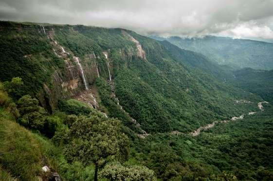 nohsngithiang-falls-seven-sister-falls-cherrapunji-meghalaya