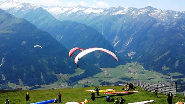 Paragliding at Indrunag