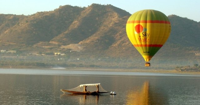 Hot Air Ballooning in Darjeeling